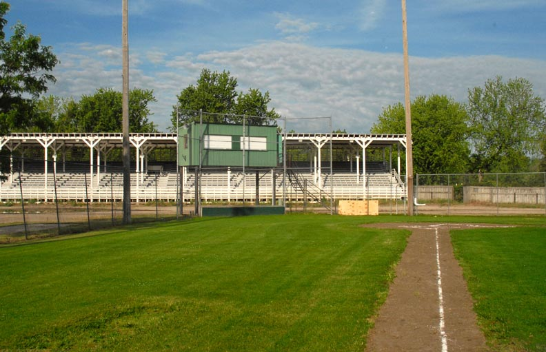 Neligh Stands